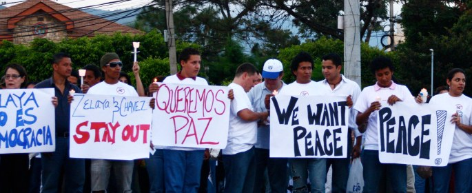 Protests against the old government before Hernandez's coup